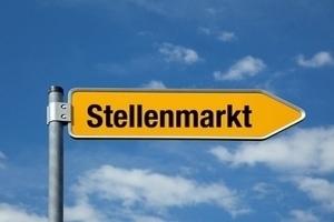 """Weg-Schild mit der Aufschrift """"Stellenmarkt"""""""